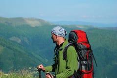 wycieczkowicz góry fotografia stock