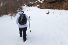Wycieczkowicz na śniegu Zdjęcia Royalty Free