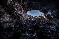 Wycieczkowicz rekonesansowa Indiańska Tunelowa jama obrazy royalty free
