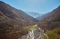 Wycieczkujący w górach Morroco, Wysoki atlant, obraz stock