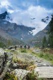 Wycieczkujący w Val Malenco, Włochy Fotografia Royalty Free