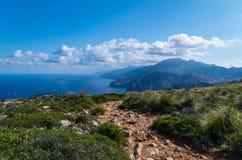 Wycieczkujący na GR 221 w Tramuntana, Mallorca, Hiszpania Zdjęcia Royalty Free