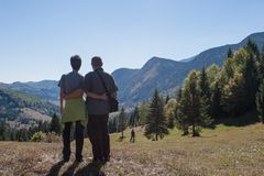 Wycieczkujący w Wschodnich Carpathians, Apls Fotografia Stock