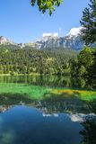 Wycieczkuje Crestasee w Obersaxen, Graubà ¼ nden Szwajcaria obrazy royalty free