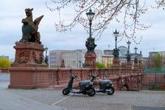 Wyczyn hulajnoga dzielić w Berlin Obraz Royalty Free