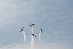 Wyczyn kaskaderski samoloty zdjęcia royalty free
