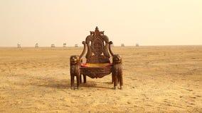 Wygłupy Drewniany krzesło w pustyni zbiory