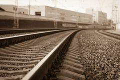Wyginająca się linia kolejowa obrazy royalty free