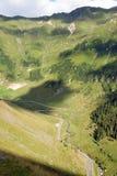 wyginająca się rzeczna drogowa dolina Zdjęcia Royalty Free