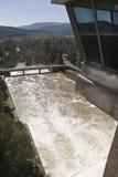 Wygnanie woda po ulewnych deszczów w rezerwuarze Puente Nuevo rzeczny Guadiato obrazy royalty free