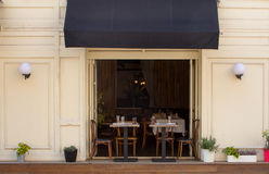 Wygodna kawiarnia w starym pasie ruchu Zdjęcie Stock
