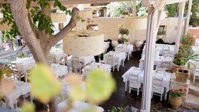 Wygodna restauracja w na wolnym powietrzu zdjęcie wideo