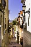 Wygodna ulica stary Europejski miasto Relleu brukuje z brukowami w postaci obrazka śródziemnomorski obrazy royalty free