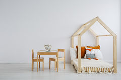 Wygodny pokój dla dzieciaków fotografia stock