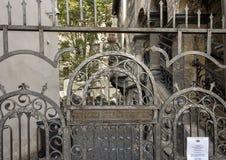 Wyjście bramy Stary Żydowski cmentarz, Praga, republika czech obraz royalty free