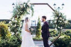 Wyjście ceremonia kochankowie w hotelu obrazy stock