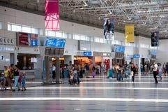Wyjściowy hol przy lotniskiem w Antalya, Turcja Obrazy Stock