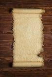 Wyjawiona papierowa ślimacznica na drewnianej powierzchni, pusty tło Zdjęcia Stock