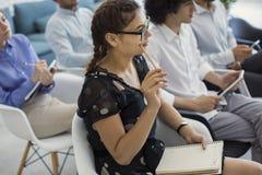 Wykład i szkolenie w biznesowym biurze obraz stock