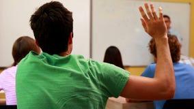 Wykładowca mówi jego klasa i odpowiada pytanie zbiory wideo