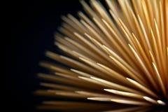 Wykałaczki na ciemnym tle lubią wybuch Fotografia Stock