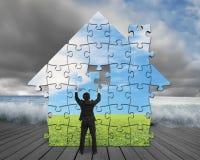 Wykończeniowy domowy kształt intryguje gromadzić na molu z powodzią Zdjęcie Royalty Free