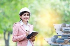 Wykonawcza Azjatycka inżynier kobieta Zdjęcie Royalty Free