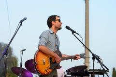 Wykonuje przy Vida festiwalem Andrew ptak muzyk, kompozytor i instrumentalista (,) fotografia royalty free