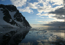 wylodzone icefall góry Zdjęcia Royalty Free