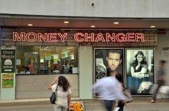 Wymiana walut pieniądze zmieniacz w Singapur Zdjęcie Stock