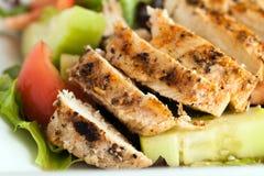 Wyśmienicie Piec na grillu kurczak sałatka Zdjęcie Royalty Free