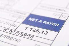 wynagrodzenia prześcieradła dokument z kwotą pensja w euro pieniądze obraz stock