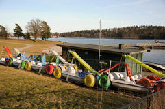 Wynajem pedałowe łodzie w zimy schronieniu Zdjęcia Royalty Free