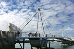 Wynyard korsning bro i viadukthamnen Auckland fotografering för bildbyråer