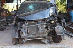 Wypadek samochodowy na drodze zdjęcia royalty free