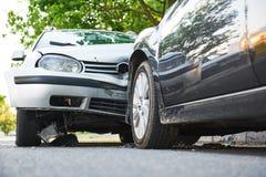 Wypadek samochodowy na ulicznym trzasku obrazy royalty free