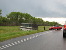 Wypadek samochodowy z autobusem Zdjęcie Stock