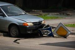 Wypadek w mieście na drodze zdjęcie stock