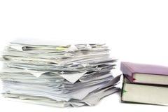Wypiętrzający up biurowej pracy papiery Obraz Stock