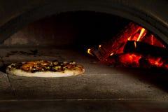 Wypiekowa pizza zdjęcie royalty free