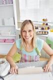 wypiekowa rozochocona kuchenna kobieta Obraz Stock