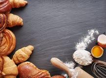 Wypiekowi składniki: jajko i mąka Obraz Stock
