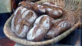 Wypiekowy chleb piekarnia Półki z świeżym piec crispy chlebem zbiory
