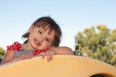 wyposażenia dziewczyny mały boiska bawić się Fotografia Royalty Free