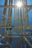 wyposażenia przemysłowa nowa przerób ropy naftowej strefa Stalowi rurociąg obraz royalty free