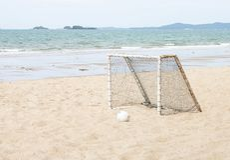 Wyposażenie dla Plażowej piłki nożnej morzem obrazy stock