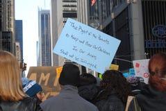 Wyprostowywa Znosić ręki, rodziców i dzieci, Drugi poprawka, Marzec dla Nasz żyć, protest, NYC, NY, usa Zdjęcia Royalty Free
