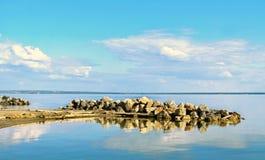 Wypust skała na morzu Fotografia Royalty Free