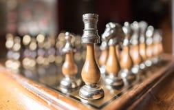 Wyrównujący szachowi kawałki zdjęcie royalty free