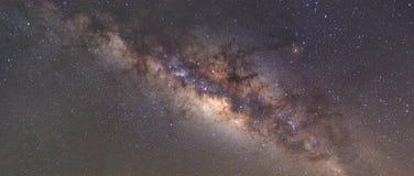 Wyraźnie milky sposób na nocnym niebie z milion gwiazdami obraz stock